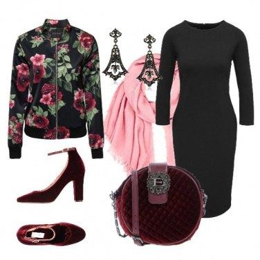 Outfit Felpa fiorata