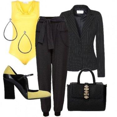 Outfit Gessato e giallo
