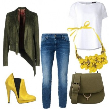 Outfit Yellow September