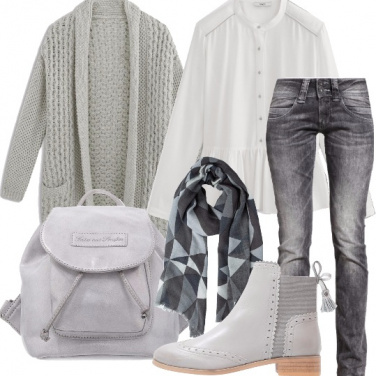 Outfit Weekend pigro in grigio