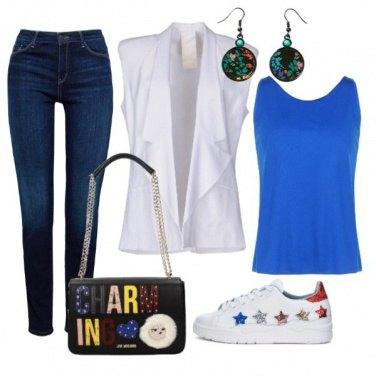 Outfit Canotta blu elettrico