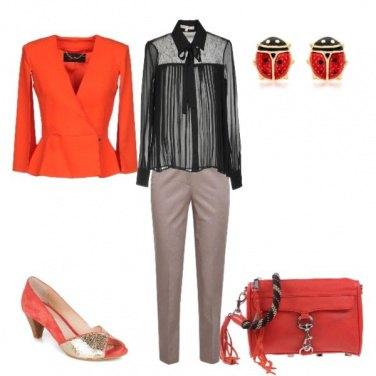 Outfit Back to office con accessori rossi