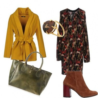 Outfit L\'anello in primo piano