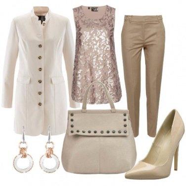 Outfit Toni neutri per l\'ufficio