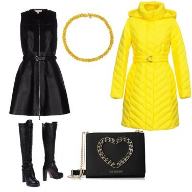 Outfit Yellow in the city