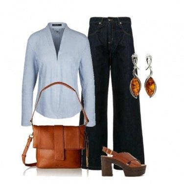 Outfit Azzurro e jeans