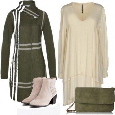 Outfit Cappotto in lana e stivaletti