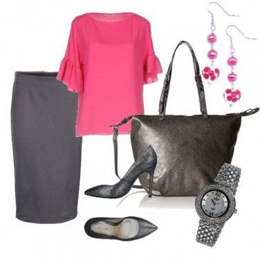 Outfit Fuxia in ufficio