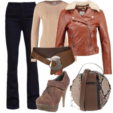 Outfit Jeans per la donna a clessidra