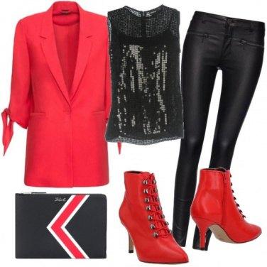 Outfit Rosso paiettes e pelle