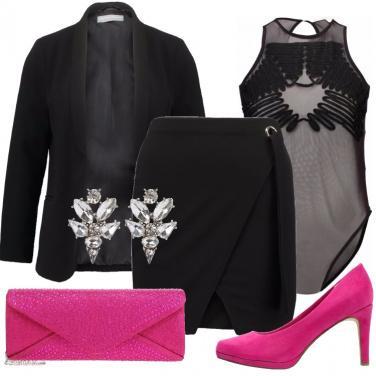 Outfit Sexy in nero e fucsia