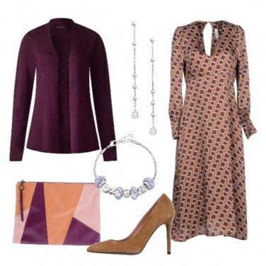 Outfit Vestito longuette in fantasia geometrica