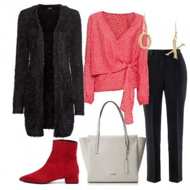 Outfit Cardigan nero blusa a pois