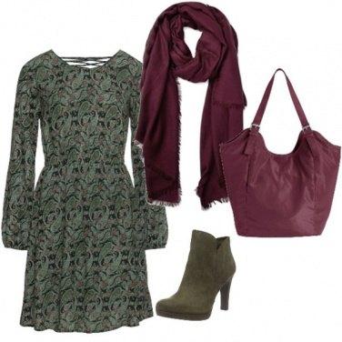Outfit Abito morbido e colori del mosto