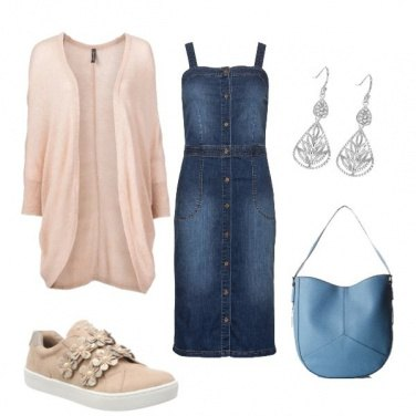 Outfit Abito jeans e sneakers