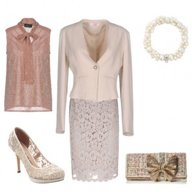 Outfit Tubino in pizzo beige