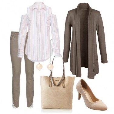 Outfit Al lavoro comoda e senza pensieri