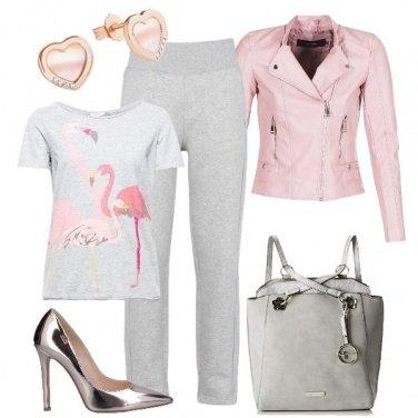 Outfit Tacchi e pantaloni sportivi