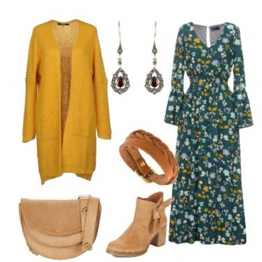 Outfit Vestito floreale lungo e cardigan ocra