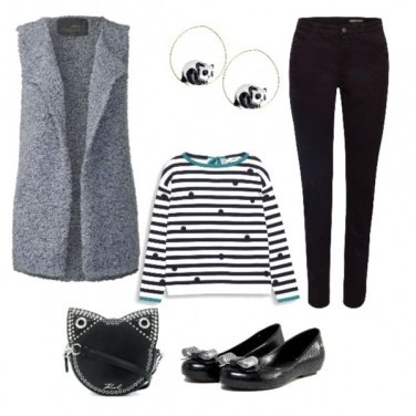 Outfit TSK Panda earrings & cat bag