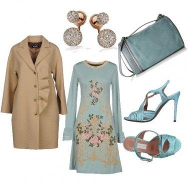 Outfit Un azzurro particolare