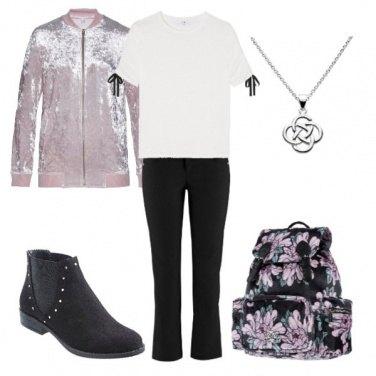 Outfit Sportiva con lo zaino fiorato