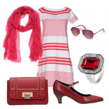 Outfit Abito a righe bianco e rosso