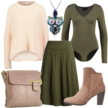 Outfit In verde e rosa