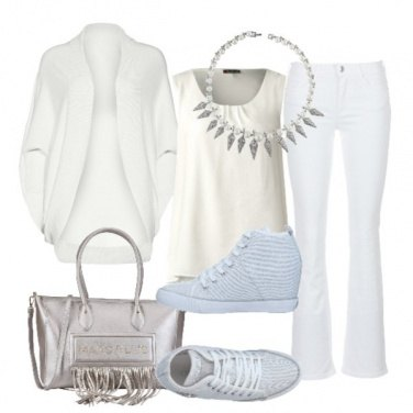 Outfit In bianco e argento