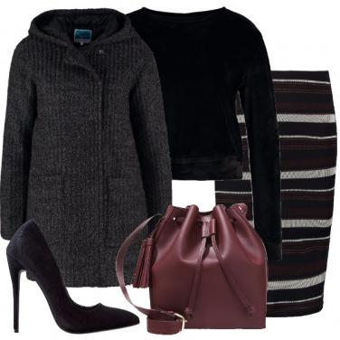 Outfit Felpa e tacco 12