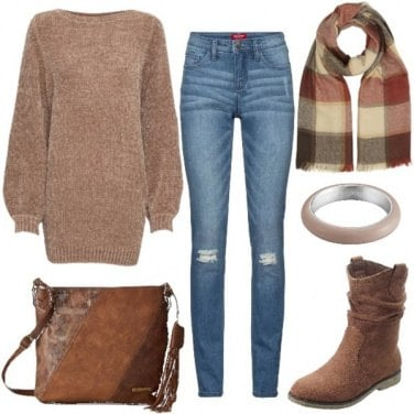 Outfit Il pullover lungo sui jeans skinny