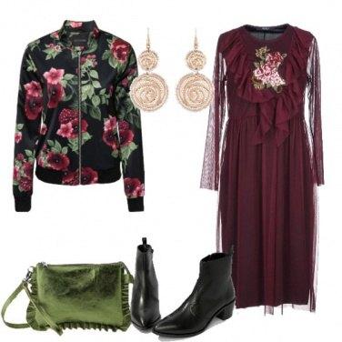 Outfit Vestito in tulle e bomber a fiori