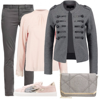 Outfit Rosa e grigio, sportivo e chic