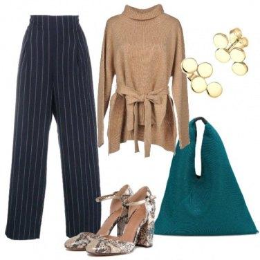 Outfit Scarpe stampa pitone e pants gessati