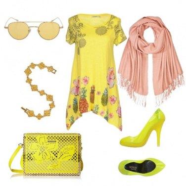 Outfit Abito giallo fiori Desigual