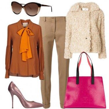 Outfit Con la borsa fucsia