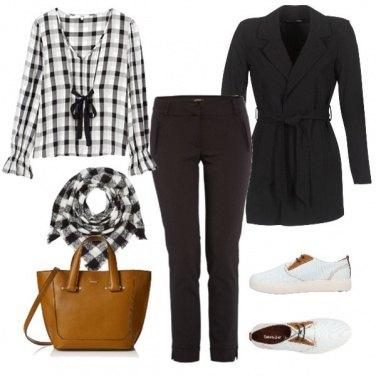 Outfit Comoda e femminile in ufficio