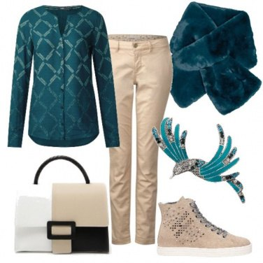 Outfit Beige e verde petrolio