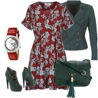Outfit Green and red afternoon betweeen flowers