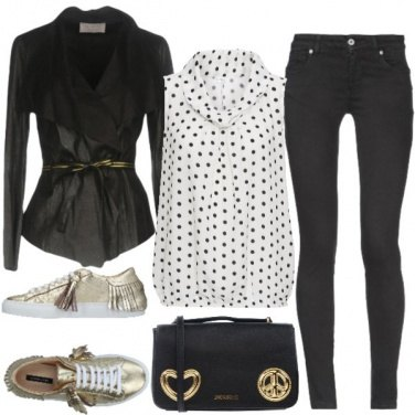 Outfit Sneakers oro