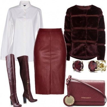 Outfit Chic con la gonna in pelle