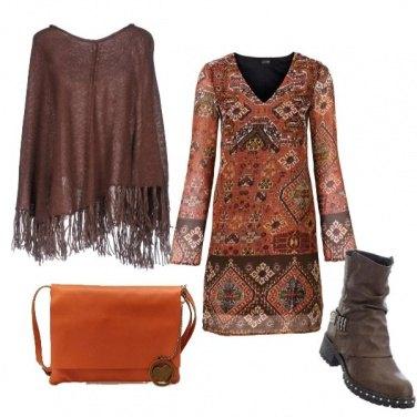 Outfit Poncho frangiato
