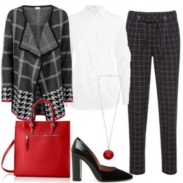 Outfit Un po\' di rosso in ufficio