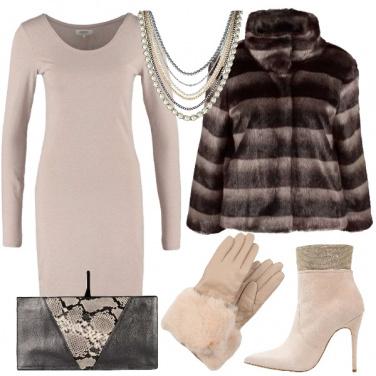 Outfit Tubino ed ecopelliccia