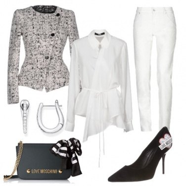 Outfit Love Moschino in Black and White