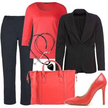 Outfit Rosso fragola e nero
