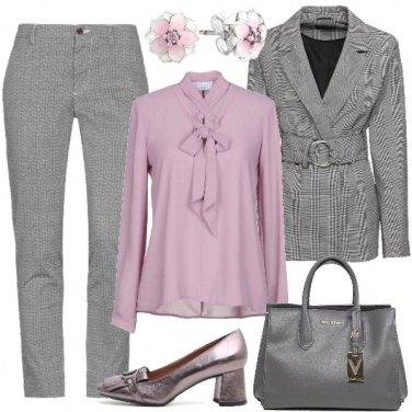 Outfit Blusa con fiocco