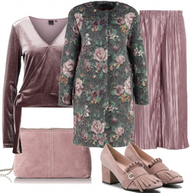 Outfit Aperitivo in rosa