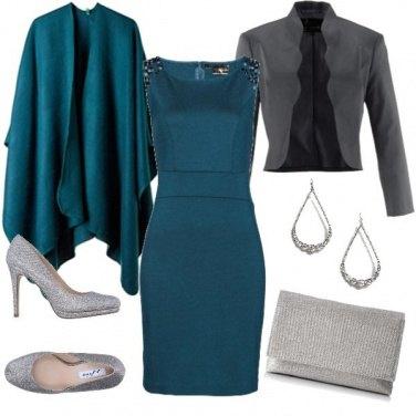 Outfit La mantella e il tubino