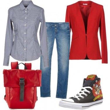 Outfit In ufficio con le Converse